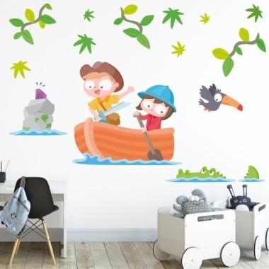 Vinil nens exploradors - Vinils infantils Vinils infantils Nen Vinils infantils per decorar habitacions de nens i nenes atrevits. Divertidíssima adhesiu mural amb una barca, dos exploradors, branques decoratives, animals i una illa amb el tresor. Mides aproximades del vinil enganxat (ample x alt) Bàsic:70x35 cm Petit:105x50 cm  Mitjà:120x60 cm  Gran:170x90 cm Gegant:240x135 cm AFEGEIX UN NOM PER EL VINIL DE 9,99€   vinilos infantiles y bebé Starstick