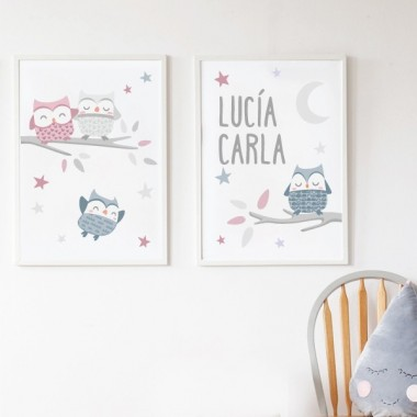 Pack de 2 làmines decoratives - Mussols rosa Packs de láminas Làmines infantils amb mussols. Ideals per decorar habitacions de nens, nenes i nadons. Precioses làmines, amb il·lustracions de disseny, per emmarcar i penjar a les habitacions dels petits de casa. Mides (ample x alt) A4 - 210 x 297 mm A3 - 297 x 420 mm A2 - 420 x 594 mm   Material: Impressió sobre canvas Marc: Opcional vinilos infantiles y bebé Starstick
