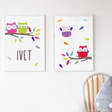 Pack de 2 làmines decoratives - Mussols de colors Packs de láminas Làmines infantils amb mussols. Ideals per decorar habitacions de nens, nenes i nadons. Precioses làmines, amb il·lustracions de disseny, per emmarcar i penjar a les habitacions dels petits de casa. Mides (ample x alt) A4 - 210 x 297 mm A3 - 297 x 420 mm A2 - 420 x 594 mm   Material: Impressió sobre canvas Marc: Opcional vinilos infantiles y bebé Starstick