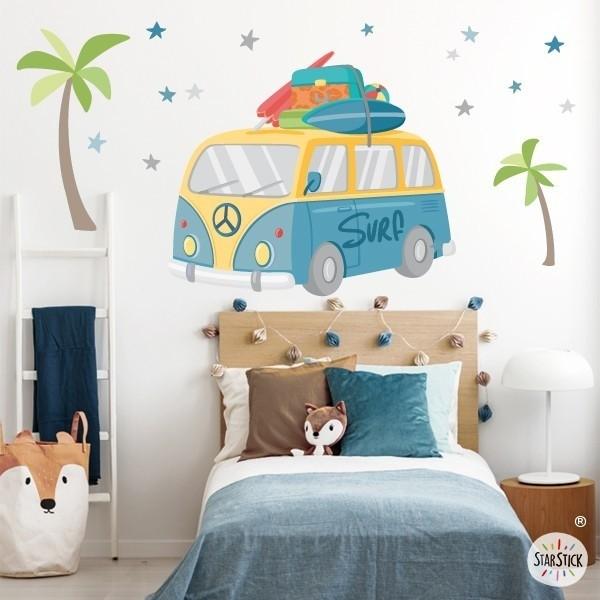 Vinil furgo surfera - Vinils decoratius Vinils Nen Vinil decoratiu amb una furgoneta al pur estil surfer. Vinils de paret per decorar habitacions de nens i adolescents, donant un toc divertit i original a les seves parets. Mides aproximades del vinil enganxat (ample x alt) Bàsic: 70x40 cm Petit:100x60 cm  Mitjà:150x75 cm  Gran: 190x100 cm Gegant:240x145 cm   AFEGEIX UN NOM PER EL VINIL DE 9,99€   vinilos infantiles y bebé Starstick