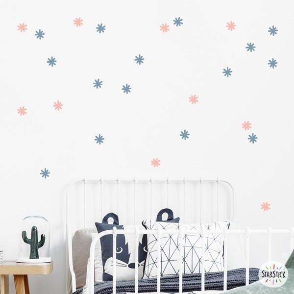 Astérisques de couleurs - Sticker décoratif Stickers formes base Les Tailles Taille de la feuille: 60x20 cmTaille du montage: 150x100 cmQuantité: 30 astérisques de 5 cm de diamètre chacun   vinilos infantiles y bebé Starstick
