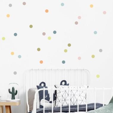 Confetti. Nature - Sticker muraux chambre bébé Accueil Les Tailles 30 dots. 5 cm de diamètre chacuneTaille de la feuille: 60x20 cmTaille du montage: 150x100 cm  vinilos infantiles y bebé Starstick