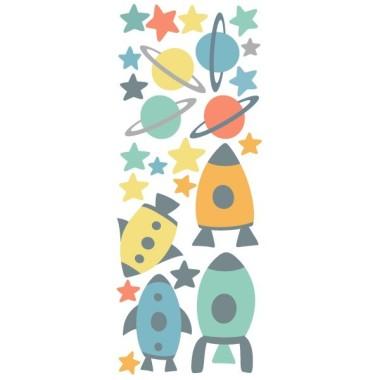 Vinilo niños - Pequeños cohetes en el espacio - Vinilos decorativos Vinilos infantiles Niño Vinilo decorativo con figuras del espacio: cohetes, estrellas y planetas. Divertidas piezas independientes para convertir el dormitorio de tu peque en un universo repleto de luz. Dulces vinilos infantiles decorativos para decorar paredes o muebles de manera original. Medidas del vinilo  4 cohetes entre 14 y 19 cm de ancho 15 estrellas y 4 planetas  AÑADE UN NOMBRE AL VINILO DESDE 9,99€  vinilos infantiles y bebé Starstick