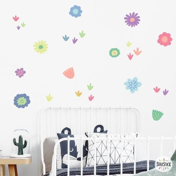 Vinilo decorativo con flores en tonos lila - Vinilos decorativos de pared Vinilos infantiles Niña Vinilo decorativo con 24 flores de colores. Vinilos en tonos calidos que te ayudan a crear un ambiente agradable en tu hogar. Distintas flores y plantes para decorar paredes o muebles. Medidas del vinilo  24 flores en tonos lila Tamaño de la lámina: 60x20 cm Tamaño del montaje: 150x100 cm Tamaño de las flores y plantas: entre 4 y 14 cm AÑADE UN NOMBRE AL VINILO DESDE 9,99€  vinilos infantiles y bebé Starstick