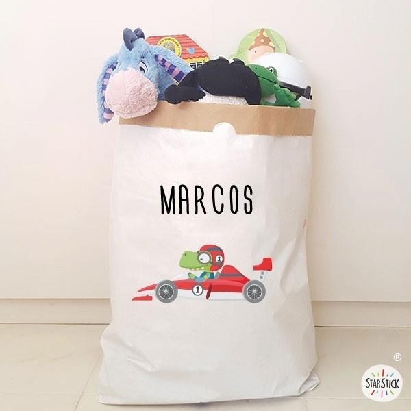 Paperbag - Voiture avec dinosaure- Sac en papier Paper bag Taille du sac: 60x70x16 (largeur x hauteur x base)Matière: 3 couches de papier kraft très résistant (extérieur blanc et intérieur ocre) vinilos infantiles y bebé Starstick