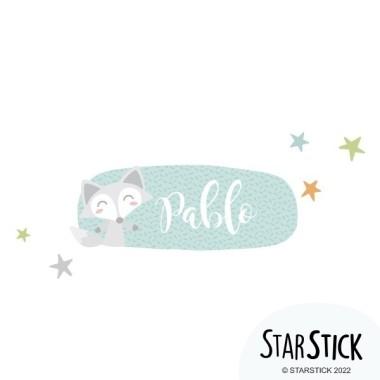 Tren con animales - Vinilo con nombre para puertas Vinilos para puertas Vinilo para puertas personalizable con uno o dos nombres. Vinilos decorativos a juego con los murales de pared. Una idea genial para decorar las puertas de las habitaciones de los peques. Tamaño de la lámina y montaje 1 nombre: 30x20 cm 2 nombres: 30x24 cm  vinilos infantiles y bebé Starstick