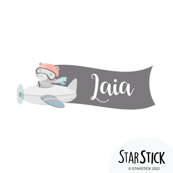 Ours aviateur - Sticker nom de porte Stickers porte chambre Taillede la feuille/montage 1 prénom: 27x10 cm 2 prénoms:27x15cm    vinilos infantiles y bebé Starstick