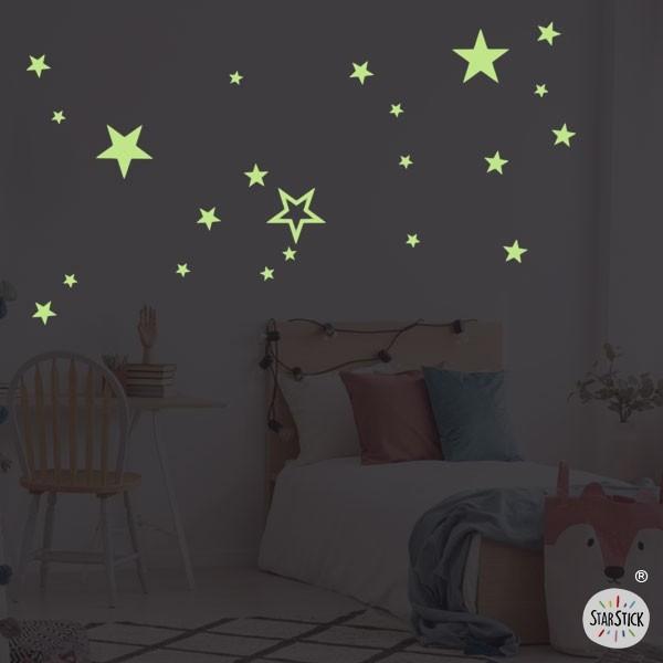 Fluorescent étoiles - Stickers enfant Sticker fluorescents Les Tailles Taille de la feuille:30x40 cm  Unités et tailles:29 étoiles. Entre 4 et 14 cm de large    vinilos infantiles y bebé Starstick