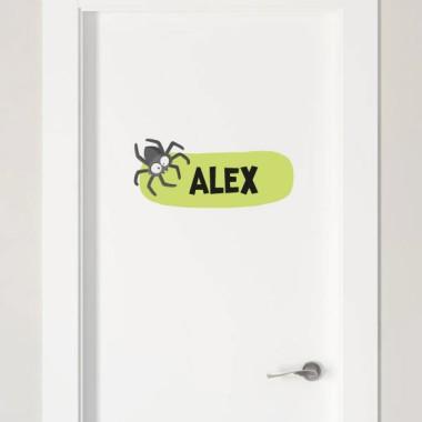 Araignée poilue - Sticker nom de porte Stickers porte chambre Taillede la feuille/montage 1 prénom: 26x18 cm 2 prénoms: 26x23 cm   vinilos infantiles y bebé Starstick