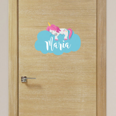 Unicornio durmiendo en las nubes - Nombre para puertas. Vinilo infantil