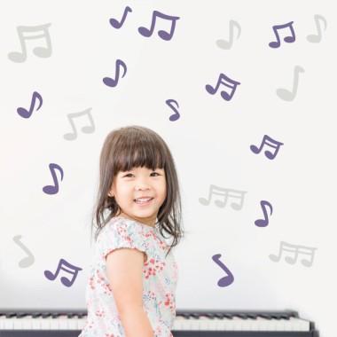 Notas musicales - Vinilos infantiles decorativos Vinilos Colegios Vinilo de pared con notas musicales de distintos colores y tamaños. Cada nota es independiente y se puede pegar en la pared con la composición que cada uno prefiera.Se puede elegir notas de todos los colores o dos colores determinados. Medidas aproximadas del vinilo montado (ancho x alto) Básico:70x40 cm Pequeño:125x70 cm Mediano:150x100 cm Grande:200x120 cm  AÑADE UN NOMBRE AL VINILO DESDE 9,99€  vinilos infantiles y bebé Starstick