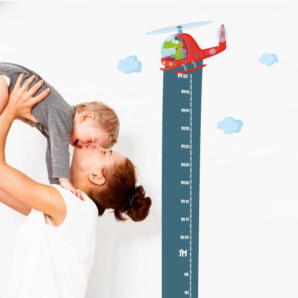 Sticker toise - Hélicoptère avec crocodile Toises Dimensions approximatives (largeur x hauteur) Taille du montage: 42x135 cm Taille de la feuille: 20x135cm  Comprend 16 étiquettes pour marquer ce que vous voulez! vinilos infantiles y bebé Starstick