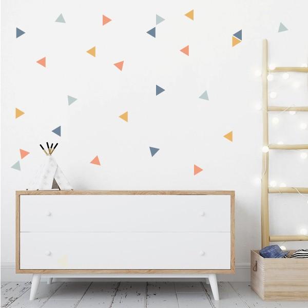 Triángulos combinación Boy - Vinilos de pared Vinilos básicos. Estrellas, topos... Vinilo de pared con triángulos de cuatro colores diferentes. Colócalos en tu pared con la combinación que más te guste y haz que tus habitaciones o salones se llenen de vida y encanto. Pégalos en la pared con la distribución que más te guste. Medidas detallada del viniloTamaño de la lámina:60x12 cmTamaño de cada triangulo:3,5 x 4 cmNúmero de triángulos:50(mandarina,amarillo oscuro, gris y azul gris)  AÑADE UN NOMBRE AL VINILO DESDE 9,99€         vinilos infantiles y bebé Starstick