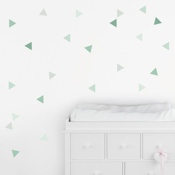 Triángulos verde baby - Vinilos de pared para bebé Vinilos básicos. Estrellas, topos... Vinilo decorativo con pequeños triángulos en tonos verdes. Ideales para decorar habitaciones infantiles o cuartos de bebé. Los vinilos de StarStick se pueden pegar en cualquier pared o mueble y son una genial alternativa para decorar de manera simple pero muy atractiva. Medidas detallada del viniloTamaño de la lámina:60x12 cmTamaño de cada triangulo:3,5 x 4 cmNúmero de triángulos:50(5 tonos de lila)  AÑADE UN NOMBRE AL VINILO DESDE 9,99€         vinilos infantiles y bebé Starstick