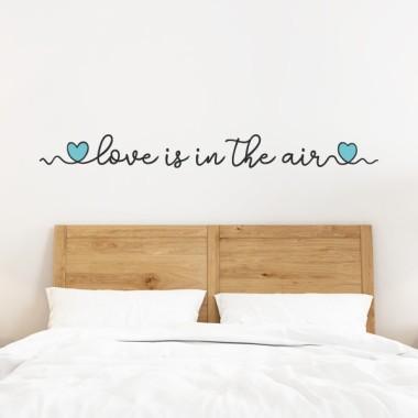 L'amour est dans l'air - Vinyles pour la maison Stickers pour la maison Mesures approximatives du vinyle monté (largeur x hauteur) Basique: 115x12cm Petit: 156x15,5 cm Moyen: 221x22 cm Grand: 304x30cm Géant: 400x39cm   vinilos infantiles y bebé Starstick