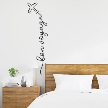 Bon voyage - Vinilos decorativos de pared Vinilos casa Si te gusta descubrir, viajar e ilusionarte... aquí tienes tu vinilo. Bon voyage!Vinilos de diseño para decorar todo tipo de hogares. Vinilos decorativos ideales para salones, recibidores, habitaciones... Llegó la hora de ser diferentes y decorar las paredes con estilo propio. Medidas aproximadas del vinilo montado (ancho x alto) Básico:88x23cmPequeño:115x30cmMediano:190x50cmGrande:233x61 cmGigante:264x68cm  vinilos infantiles y bebé Starstick