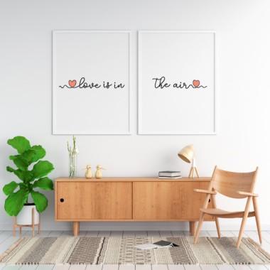 """Pack de 2 láminas decorativas - Love is in the air Láminas decorativas hogar Preciosas láminas decorativas con la frase """"Love is in the air"""". Una composición perfecta para decorar cabezales de cama, comedores,recibidores... Las letras están impresas en negro, y si se pueden personalizar los corazones con el color que se desee.  Medidas (ancho x alto) A4 - 210 x 297 mm A3 - 297 x 420 mm A2 - 420 x 594 mm  Material: Impresión sobre canvas Marco: Opcional vinilos infantiles y bebé Starstick"""