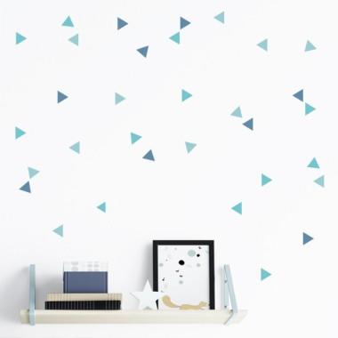 Triángulos nórdicos 3 colores a escoger - Vinilos decorativos Vinilos básicos. Estrellas, topos... Vinilo decorativo con triángulos color a escoger. Vinilos de formas geométricas para combinar como más te gusten. Puedes crear formas, letras o esparcir de forma irregular. ¿Empezamos?Medidas del viniloTamaño de la lámina: 60x12 cmTamaño de cada triangulo: 3,5 x 4 cmNúmero de triángulos: 50 triangulos combinados en 3colores a elegir (16 color1+ 16 color2 + 16 color3)              vinilos infantiles y bebé Starstick