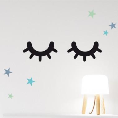 """Ojitos durmiendo/ Sleepy eyes- Vinilos decorativos estilo nórdico Vinilos básicos. Estrellas, topos... Decora tu pared con un par de vinilos """"Sleepy eyes"""" ¡Vinilos a la última moda para decorar habitaciones de bebé, niños, niñas y adultos! Medidas del vinilo PequeñoTamaño del montaje: 43x11 cm Tamaño de cada ojo: 20,4x11 cm MedianoTamaño del montaje: 65x17  Tamaño de cada ojo: 30x16,6 cm GrandeTamaño del montaje: 90x23 cm Tamaño de cada ojo: 42x23 cm                 vinilos infantiles y bebé Starstick"""