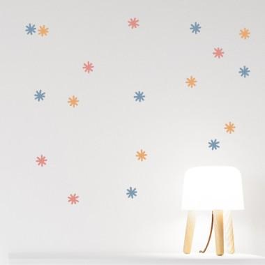 Astericos de colores - Vinilo decorativo. Color a elegir Vinilos básicos. Estrellas, topos... Vinilos decorativos con asteriscos de colores. Cada pack consta de 30 asteriscos y se pueden adquirir en los 3 colores que cada uno prefiera. Una genial idea para decorar cualquier pared o superficie lisa, aportando un toque de personalización y originalidad. Medidas del vinilo Tamaño de la lámina: 60x20 cm Tamaño del montaje: 150x100 cm Cantidad:40 asteriscos de5 cm de diámetro cada uno vinilos infantiles y bebé Starstick