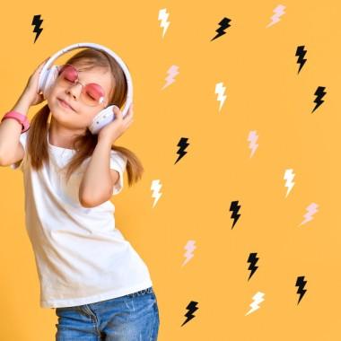 Foudre Hipster - Sticker muraux Stickers basiques. Étoiles, triangles... Les Tailles 30 foudreMesurer chaque foudre:4x10 cmTaille du montage: 200x100 cmTaille de la feuille: 60x30 cm    vinilos infantiles y bebé Starstick