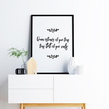 """Lámina decorativa de pared - Cuando amas lo que tienes, tienes todo lo que quieres Láminas y cuadros hogar Lámina decorativa con la frase """"Cuando amas lo que tienes, tienes todo lo que quieres"""". Fantástica para decorar cabezales de cama, comedores,recibidores... Detalles minimalistas que hacen de tu hogar un espacio más acogedor. Medidas (ancho x alto) A4 - 210 x 297 mm A3 - 297 x 420 mm A2 - 420 x 594 mm  Material: Impresión sobre canvas Marco: Opcional vinilos infantiles y bebé Starstick"""