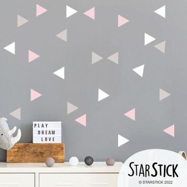 Triángulos BIG - 3 colores a elegir - Vinilos decorativos para el hogar Vinilos formas y patrones Decora tu salón, comedor, recibidor o la pared que más te apetezca, con grandes triángulos de colores. Puedes realizar una combinación de dos o tres colores, o adquirir el pack en un solo color. Una forma muy original, fácil y económica de dar un cambio radical en tus paredes. Medidas del viniloTamaño de la lámina: 60x23 cmTamaño del montaje: 170X100 cmTamaño de cada triangulo: 7x8 cmNúmero de triángulos: 24 triángulos combinados en 3 colores a elegir     vinilos infantiles y bebé Starstick
