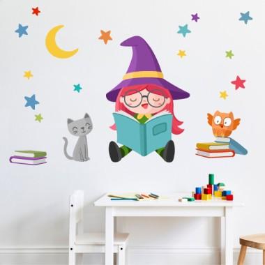 Vinilos infantiles - Brujita leyendo Vinilos Infantiles Decora tus paredes con este vinilo decorativo de la brujita lectora. Un mural que transformará vuestras paredes y las llenará de diseño y alegría. El pack incluye todos los elementos que aparecen en la imagen, y se ofrece la posibilidad de personalizar las estrellas con el color que se desee. Medidas aproximadas del vinilo infantil montado (ancho x alto)Básico: 75x40 cmPequeño:110x65 cmMediano: 150x75cmGrande:210x100 cmGigante:290x150 cm  AÑADE UN NOMBRE AL VINILO DESDE 9,99€ vinilos infantiles y bebé Starstick