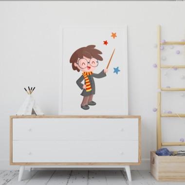 Lámina decorativa de pared - Harry Potter Láminas y cuadros infantiles Lámina para enmarcar, inspirada en la famosa saga de Harry Potter. Un colorido diseño para decorar habitaciones infantiles. Se puede combinar con otros modelos de la misma colección; estrellas, nombres de puerta, vinilos de pared… Medidas (ancho x alto) A4 - 210 x 297 mm A3 - 297 x 420 mm A2 - 420 x 594 mm  Material: Impresión sobre canvas Marco: Opcional vinilos infantiles y bebé Starstick