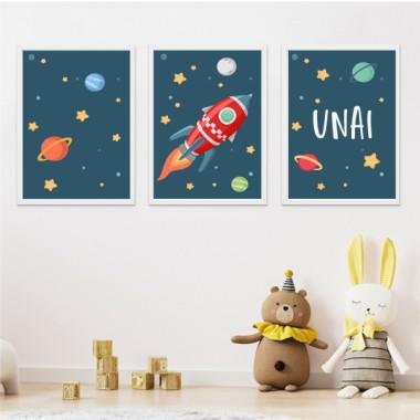 Pack de 3 láminas infantiles - Cohete en el espacio. Fondo azul