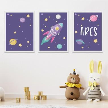 Pack de 3 láminas infantiles - Cohete lila en el espacio. Fondo lila