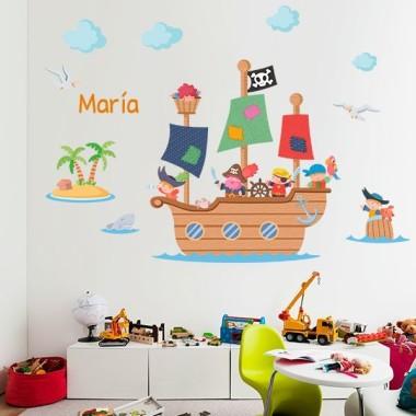 Vinilo infantil para niños Gran barco pirata Vinilos infantiles Niño Espectacular vinilo infantil de pared con un gran barco pirata. Un vinilo infantil ideal para niños. Medidas aproximadas del vinilo montado (ancho x alto) Pequeño:100x55 cm Mediano:145x80 cm Grande:180x100 cm Gigante:250x150 cm   AÑADE UN NOMBRE AL VINILO DESDE 9,99€    vinilos infantiles y bebé Starstick