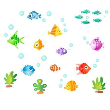 Peixos tropicals - Vinils infantils Vinils infantils Nen Dóna vida a les teves parets amb aquest divertit vinil ple de peixos de colors.  Mides aproximades del vinil enganxat (ample x alt) Bàsic:100x50 cm Petit:125x75 cm Mitjà:150x70 cm Gran:200x100 cm Gegant:300x140 cm  AFEGEIX UN NOM AL VINIL DES DE 9,99 €  vinilos infantiles y bebé Starstick