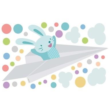 Avió de paper amb conillet - Vinils infantils Vinils nadó  Posa color a la teva paret amb aquest divertit vinil del conillet volant en un avió de paper i deixant caure confetis de colors. La teva paret canviarà radicalment!    Mides aproximades del vinil enganxat (ample x alt)   Petit:110x50 cm Mitjà:155x75cm Gran:210x115 cm Gegant:275x145 cm  AFEGEIX UN NOM AL VINIL DES DE 9,99 €    vinilos infantiles y bebé Starstick