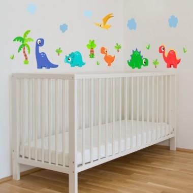 Vinilos para niños Súper dinosaurios - Vinilo infantil para niños Eliminats Vinilo decorativo con alegres dinosaurios infantiles. EnStarStick tenemos los mejores vinilos para decorar habitaciones para niños. Medidas aproximadas del vinilo montado (ancho x alto) Pequeño:100x60cm Mediano:165x75 cm Grande:220x95 cm Gigante:280x130cm   AÑADE UN NOMBRE AL VINILO DESDE 9,99€ vinilos infantiles y bebé Starstick