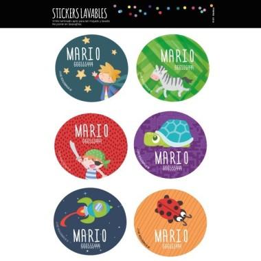 Etiquetas multiuso. Redondas grandes - Modelo 2 Etiquetas multiuso redondas - Grandes Personaliza todo lo que quieras con las etiquetas redondas de StarStick. Etiquetas de gran calidad y resistentes al agua. Libros, vasos, cantimploras, biberones, fiambreras… ¡Además de útiles las etiquetas de StarStick son de lo mas chic! Material:Vinilo plastificado mate Tamaño de cada etiqueta:5,5 cm de diámetro Unidades: Packs de 6, 12 o 24 etiquetas Líneas imprimibles: 2 vinilos infantiles y bebé Starstick