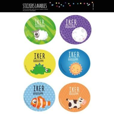 Modèle 7 - Étiquettes personnalisées rondes - Grand Étiquettes personnalisées rondes - Grand Vous pouvez personnaliser tout ce que vous voulez avec les étiquettes StarStick.Étiquettes de grande qualité est résistante à l'eau. Bouquins, cahiers, biberons, gourdes, boîtes à tartines...En plus d'utiles les étiquettes StarStick, sont le plus chic. Matériau:Sticker autocollantpelliculage Dimensions: 5,5 cm de diamètre Unités: Lots de 6, 12 o 24 étiquettes Lignes imprimables: 2 vinilos infantiles y bebé Starstick