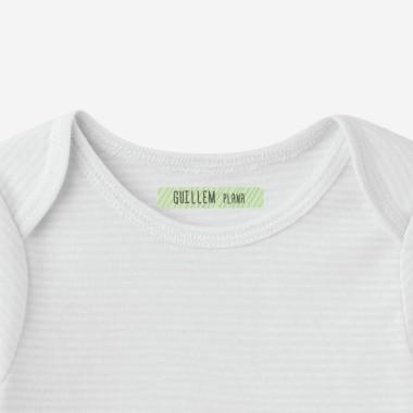 Modèle 2 - Étiquettes rectangulaires Vêtements - Moyen Étiquettes pour vêtements Matériau: Étiquettes thermocollantes Dimensions: 6x1,2 cm Unités: Packs 48, 96 ou 144 étiquettes Lignes imprimables: 1 vinilos infantiles y bebé Starstick
