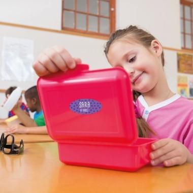 Etiquetas multiuso. Ovaladas medianas - Modelo 15 Etiquetas multiuso Etiquetas con nombre de la marca StarStick. Resistentes al agua, al microondas y al lavavajillas. No lo dudes y empieza ya a marcar todos los objetos de manera fácil y rápida. Material:Vinilo plastificado mate Tamaño de cada etiqueta:4,5x 2 cm  Unidades:Packs de 15, 30o60 etiquetas Líneas imprimibles: 2 vinilos infantiles y bebé Starstick