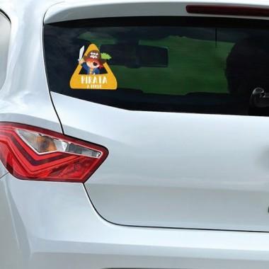 """Pirate à bord - Adhésif pour voiture Stickers bébé à bord Adhésif pour voiture """"Pirate à bord"""" Dimensions: 16x15 cm Matériau:Sticker autocollantpelliculage vinilos infantiles y bebé Starstick"""