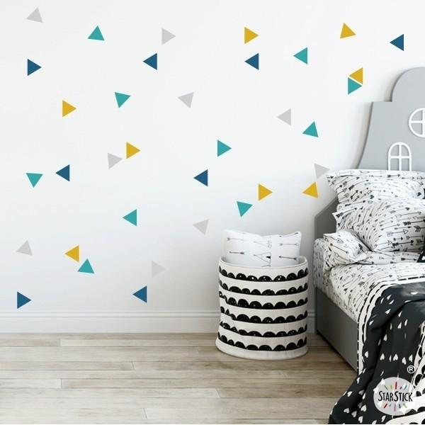 Triangles nòrdics combinació mostassa - Vinils nadó Vinils triangles i siluetes Triangles de vinil de diferents colors per decorar parets. La solució ideal per a decorar parets amb molt de gust i poc esforç. Mesures del vinilMida de la làmina: 60x12 cmMida de cada triangle: 3,5 x 4 cmNombre de triangles: 50 (12 gris, 12 mostassa, 14 verd turquesa i 12 blau) AFEGEIX UN NOM AL VINIL DES DE 9,99 € vinilos infantiles y bebé Starstick