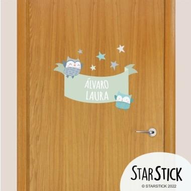 Búhos tonos suaves - Vinilo con nombre para puertas Vinilos para puertas Vinilo decorativo para puertas de habitaciones infantiles. Vinilos personalizables con uno o dos nombres, perfectos para lograr una decoración ¡única! Con StarStick conseguiréis una decoración fantástica para vuestros peques. Tamaño de la lámina y montaje 1 nombre:30x20 cm 2 nombres: 30x25 cm  vinilos infantiles y bebé Starstick