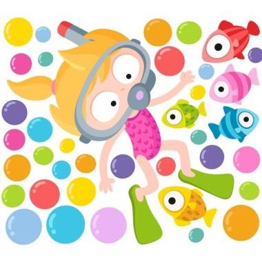 Vinilo original infantil - Niña buceadora Vinilos Infantiles Divertidísimo y original vinilo infantil con una niña realizando snorkel bajo del mar. Vinilo decorativo lleno de color. Lo puedes combinar con el vinilo del niño buceador. Medidas aproximadas del vinilo montado (ancho x alto) Pequeño: 110x70 cm Mediano:150x90 cm Grande: 200x150 cm Gigante:285x155 cm AÑADE UN NOMBRE AL VINILO DESDE 9,99€ vinilos infantiles y bebé Starstick