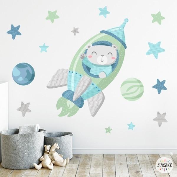 Sticker bébé - Rocket avec ours. Mint Sticker muraux chambre bébé Dimensions approximatives (largeur x hauteur) Petit: 90x50 cm oyen:140x65 cm Grand: 220x140 cm Géant: 300x175 cm  AJOUTER UN PRÉNOM À PARTIR DE 9,95 € vinilos infantiles y bebé Starstick