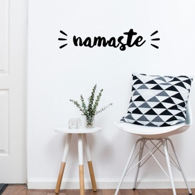 Namaste - Stickers décoratifs phrases et citations Stickers phrase Dimensions approximatives (largeur x hauteur) Basique: 30x6,5 cm Petit: 40x8,5 cm Moyen: 60x13 cm   vinilos infantiles y bebé Starstick