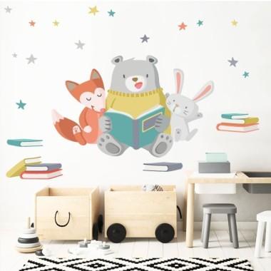 Vinils infantils - Animals llegint Vinils nadó Llegir ens fa grans! Motivem als nens a llegir decorant les zones de lectura amb tendres vinils de dibuixos o frases. Vinils infantils ideals per a ambients de contes, biblioteques, escoles...  Mides aproximades del vinil enganxat (ample x alt) Bàsic: 70x50 cm Petit: 110x80 cm Mitjà:140x100 cm Gran: 190x136 cm Gegant: 250x180 cm AFEGEIX UN NOM AL VINIL DES DE 9,99€    vinilos infantiles y bebé Starstick