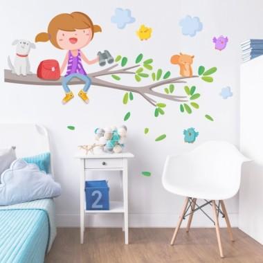 Vinilo infantil - Niña en la rama del árbol