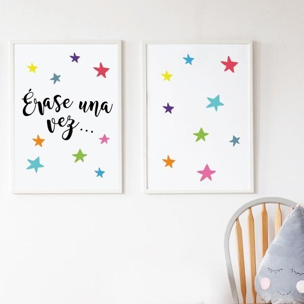 Pack de 2 láminas decorativas - Érase una vez… + estrellas de colores Packs de láminas Pack de 2 láminas infantiles. Érase una vez… + estrellas de colores. Láminas decorativas para dar un toque de color en zonas de lectura, espacios de juego, habitaciones de niño, niña o bebé… Ideas decorativas originales de StarStick. Medidas (ancho x alto) A4 - 210 x 297 mm A3 - 297 x 420 mm A2 - 420 x 594 mm  Material: Impresión sobre canvas Marco: Opcional vinilos infantiles y bebé Starstick